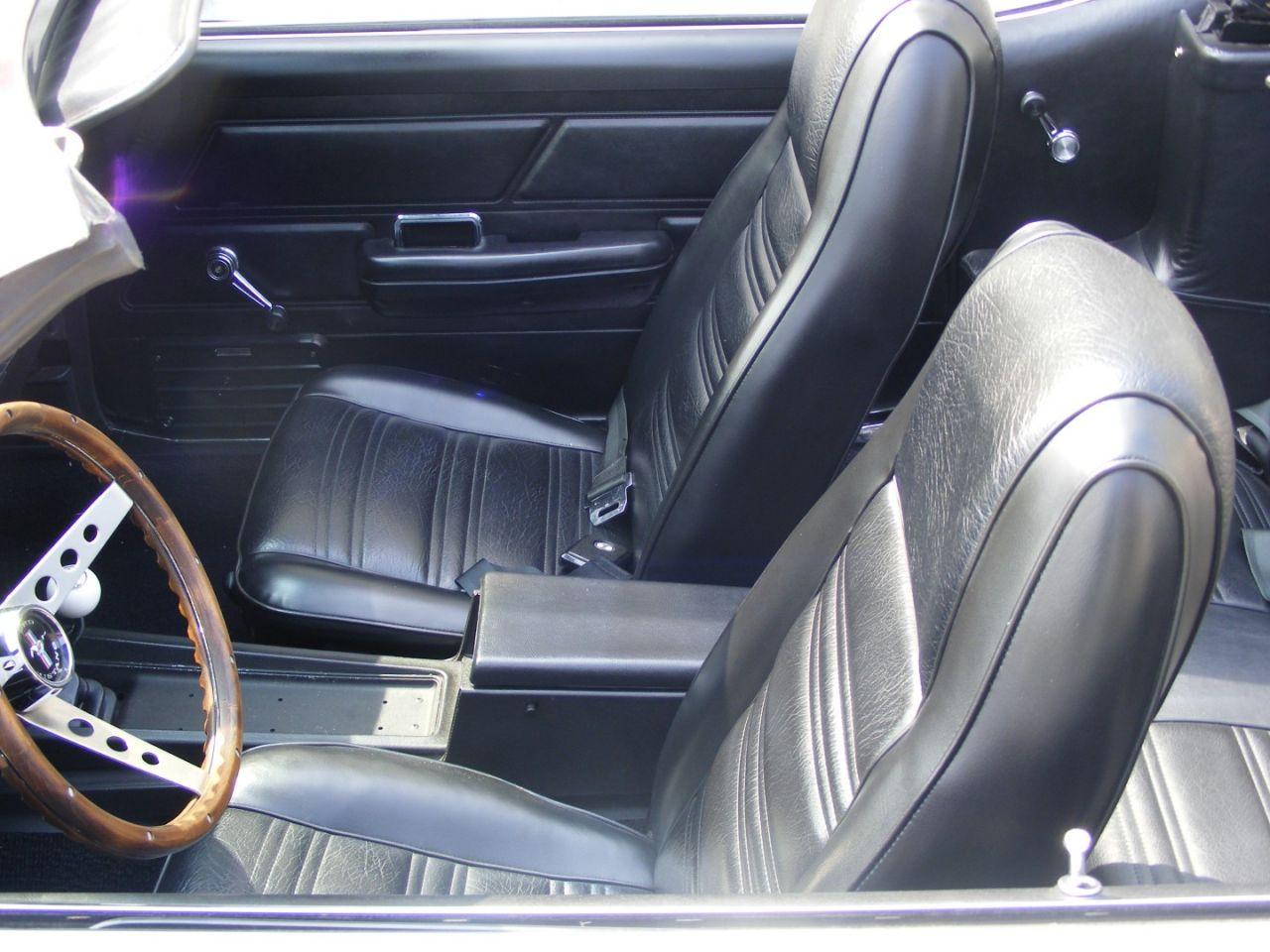 retro garage importateur voiture am ricaine must 1970. Black Bedroom Furniture Sets. Home Design Ideas