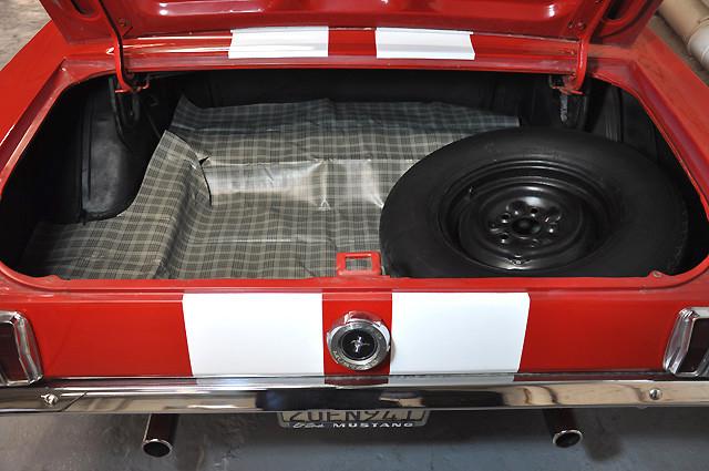 retro garage importateur voiture am ricaine must 65. Black Bedroom Furniture Sets. Home Design Ideas