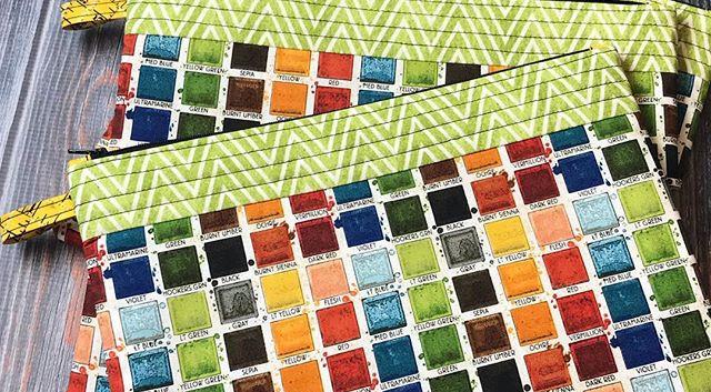 Green crayon stripe, always a fave. 💚 O