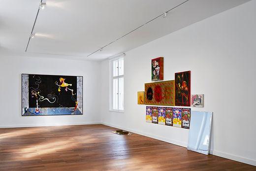Ausstellungsansicht Far Beyond, 2015