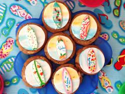 cookie decorado com prancha de surf