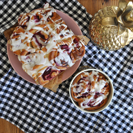 Gigi's Erdbeer-Rhabarber Marmelade, Himbeeren und weiße Schokolade- Schnecken