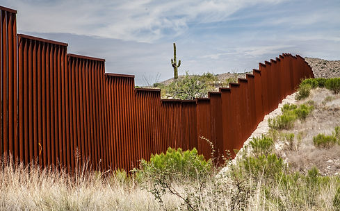 US-Mexican border in Arizona, USA.jpg