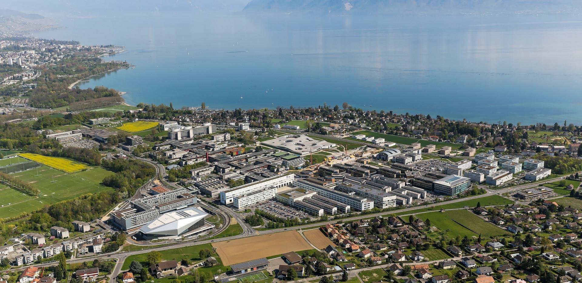 SwissTech_Convention_Heli_copyright_Alai