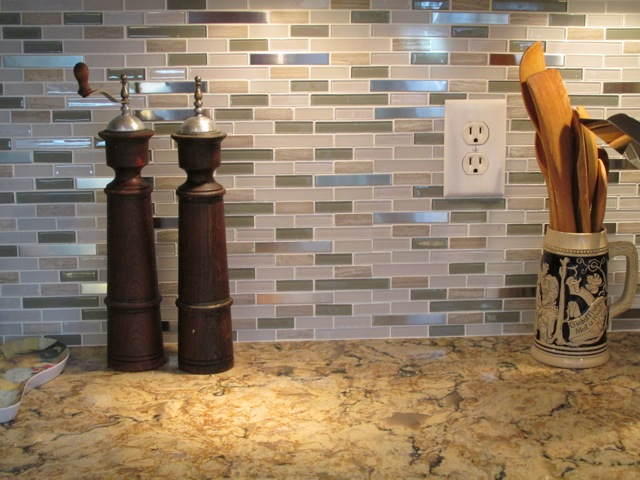 Backsplash & Counter