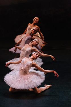 Ballerinas on stage