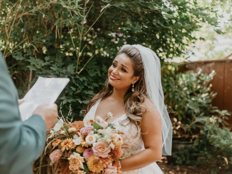 How to Write Wedding Vows in 4 Steps: Template and Tips