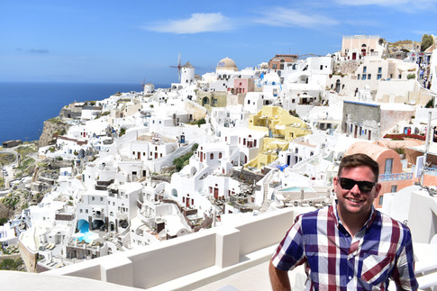 A Guide to Santorini, our Favorite of the Greek Isles