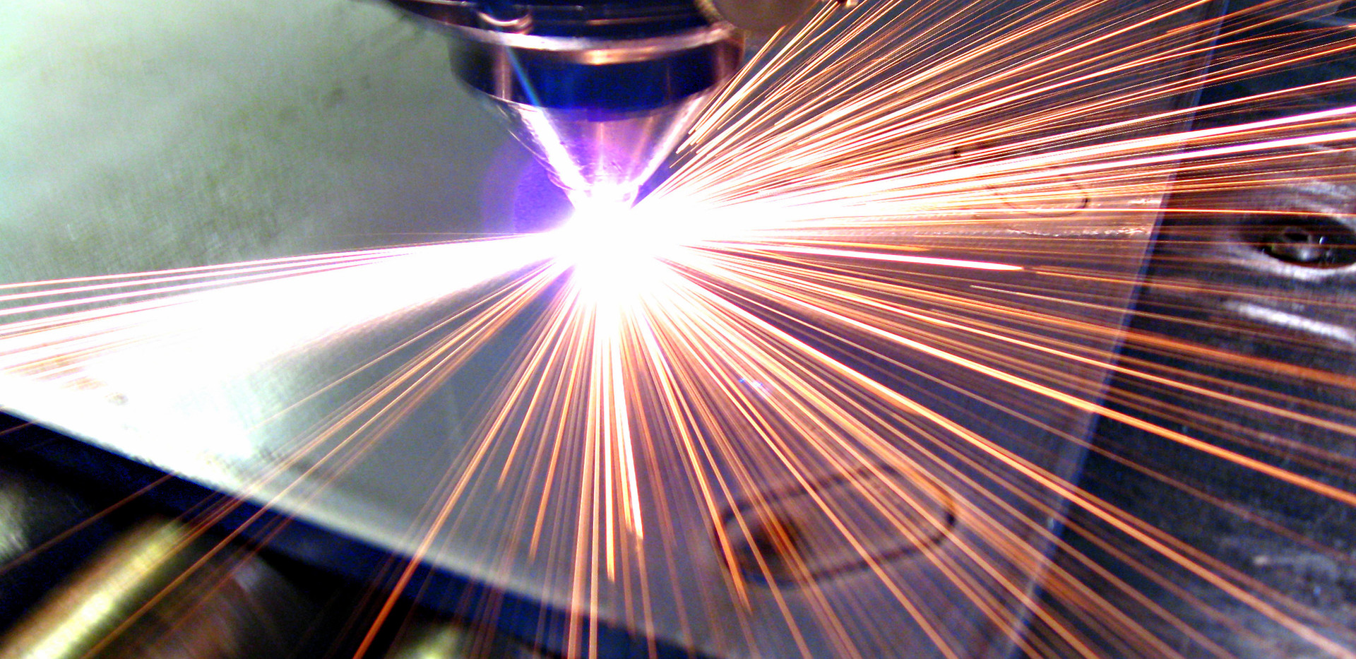 Materials - Sheet Metal - Machining - Composites