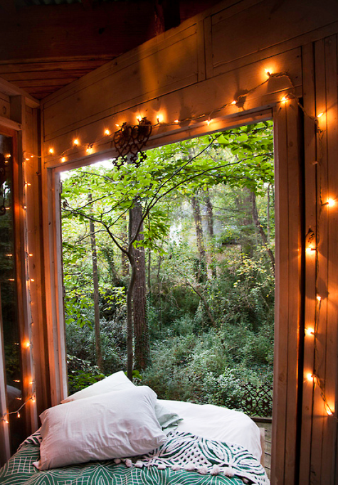 Window framed by fairy lights courtesy of http://bohemianhomes.tumblr.com/