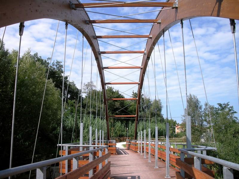 Progettazione strutturale di ponte pedonale e ciclabile