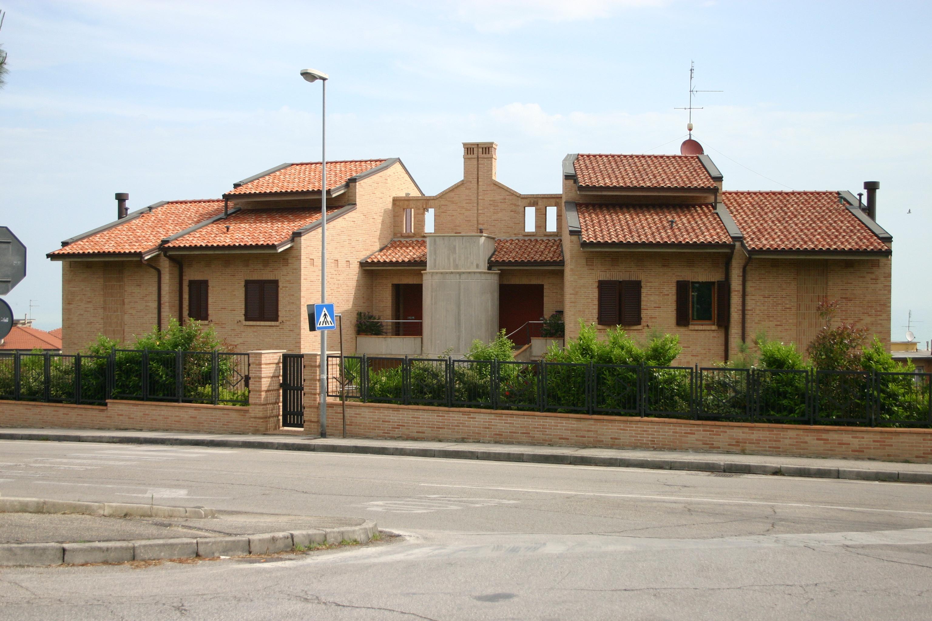 Villa residenziale quadrifamiliare