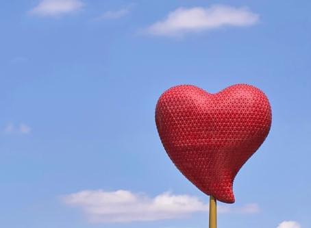אהבה באוויר ( Love is in the air)