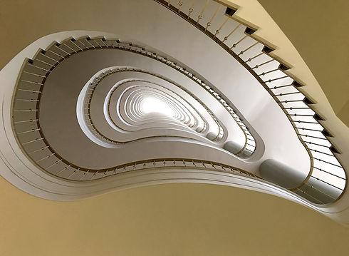 staircase-1601133_1920.jpg