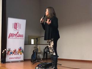 Instituto del Bienestar capacita en felicidad a funcionarios de la Municipalidad de Molina.
