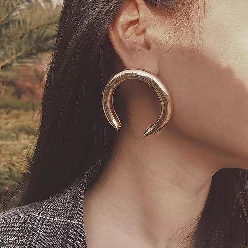 Toya Cresting Gold Earring. Simply Beautiful