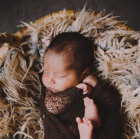 1stYear_Tiberiu_Newborn_68.jpg