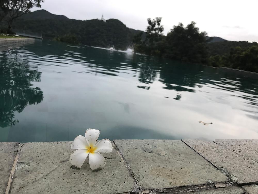 ベランダ チェンマイ ザ ハイ リゾート プールサイド