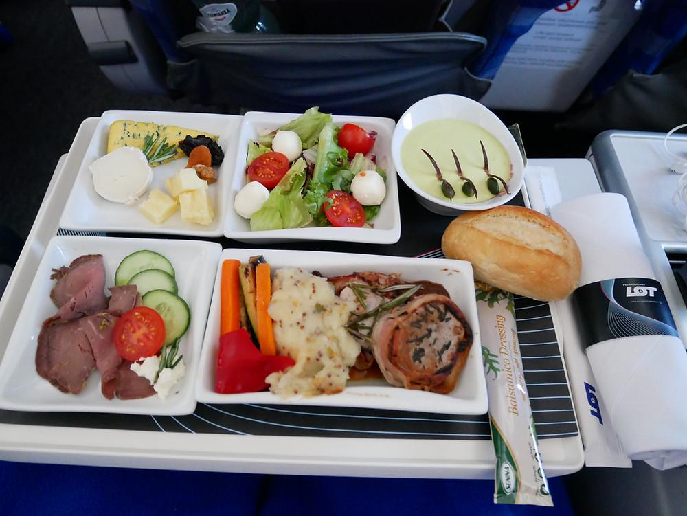 LOTポーランド航空 プレミアムエコノミークラス 機内食