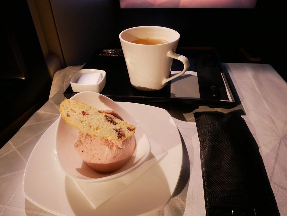 エティハド航空 ビジネスクラス デザート アイスクリーム