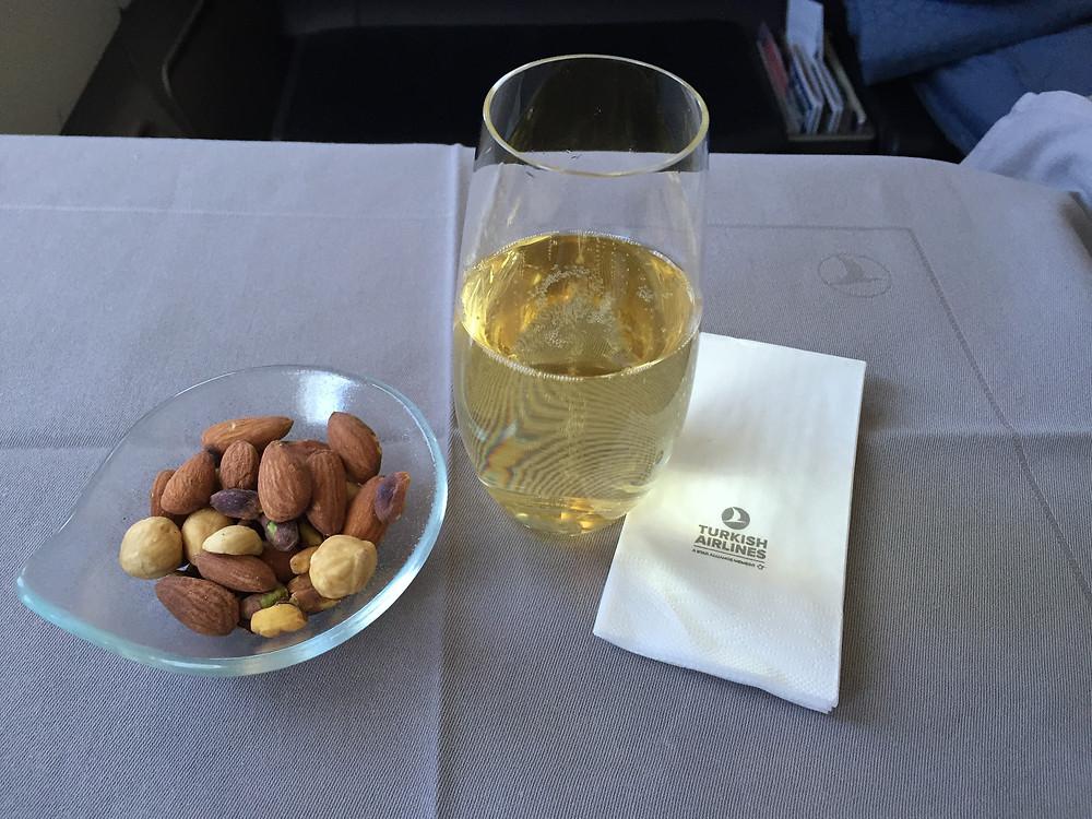 ターキッシュエアラインズ 機内食 シャンパン