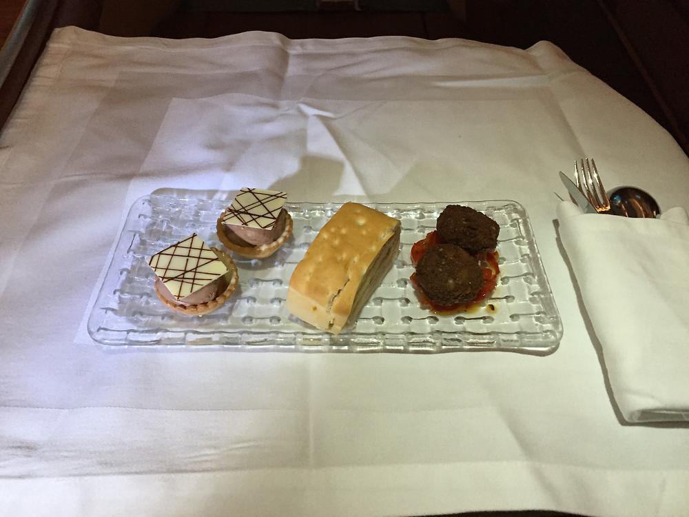 オマーン航空ビジネスクラス 機内食