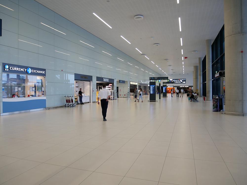 ザグレブ空港 到着ロビー