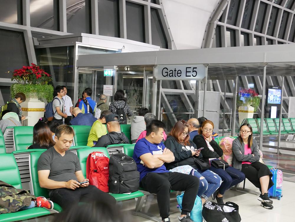 バンコク スワンナプーム空港  搭乗口 E5