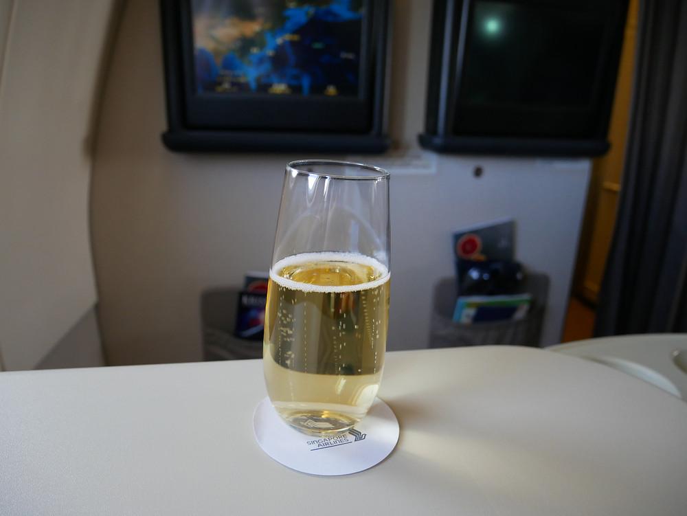 シンガポール航空 ビジネスクラス シャンパン