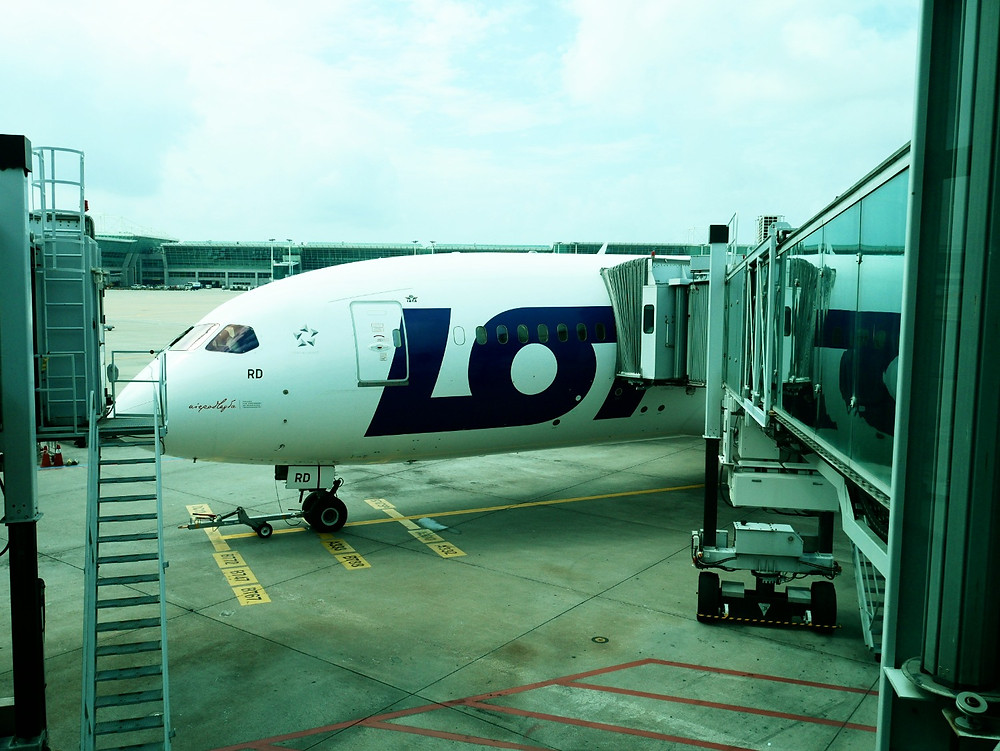 LOTポーランド航空 B787-8