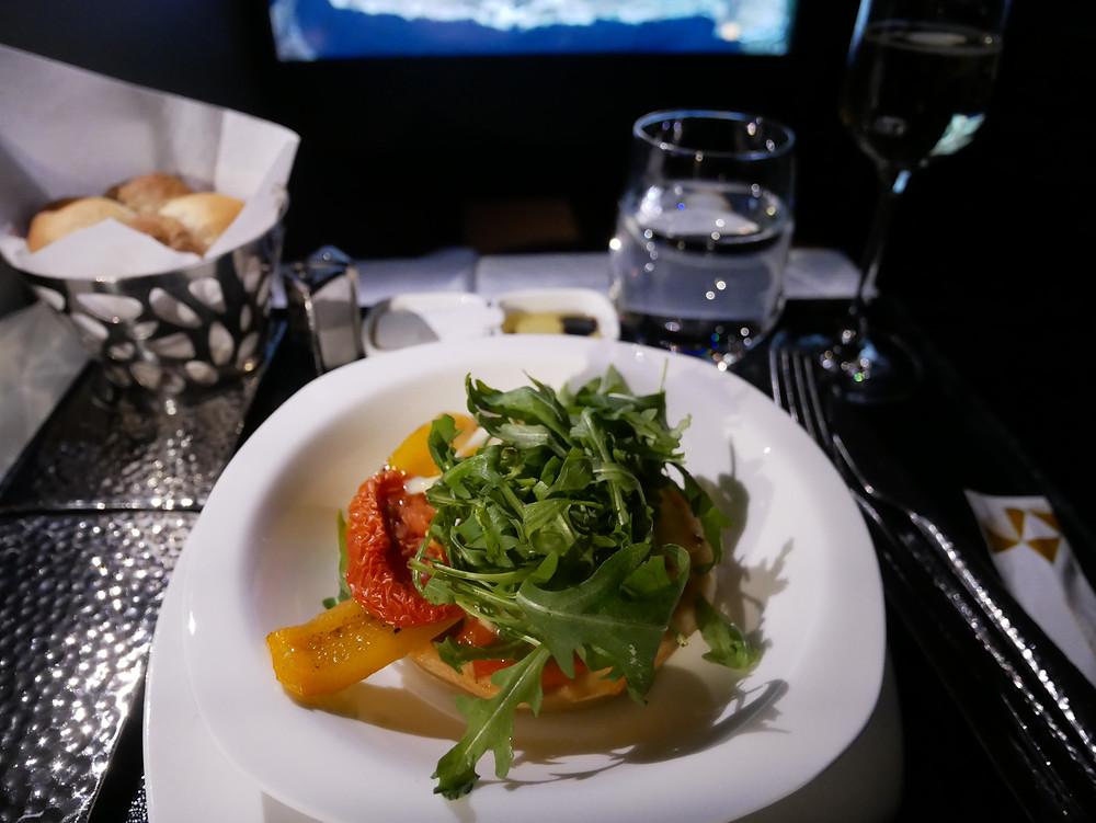 エティハド航空 ビジネスクラス 機内食 メイン
