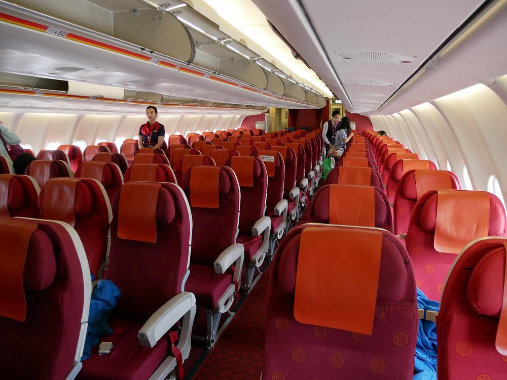 香港航空 エコノミークラス 機内
