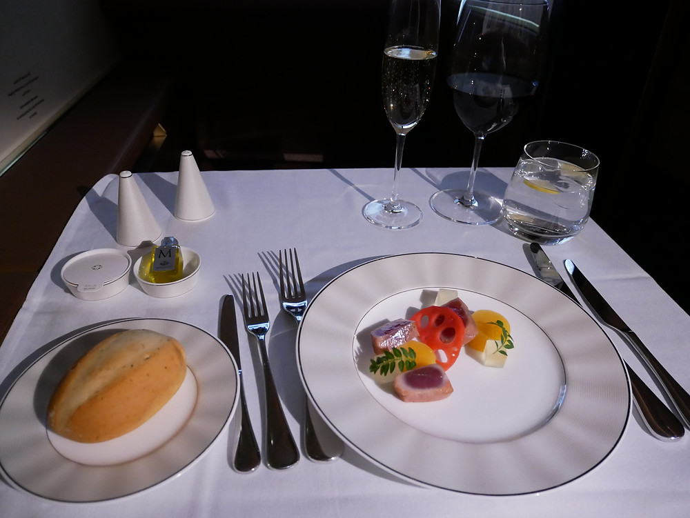 エティハド航空 ファーストクラス 機内食