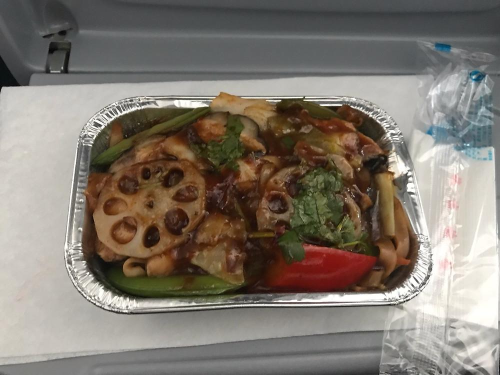 機内食の写真 焼きビーフン