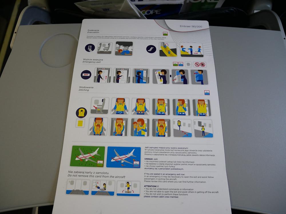 LOTポーランド航空 機内食 安全のしおり ERJ-195