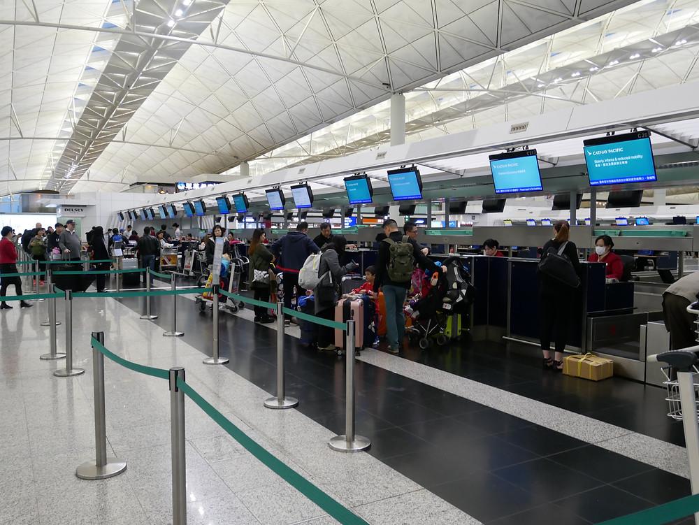 香港国際空港 チェックインカウンター