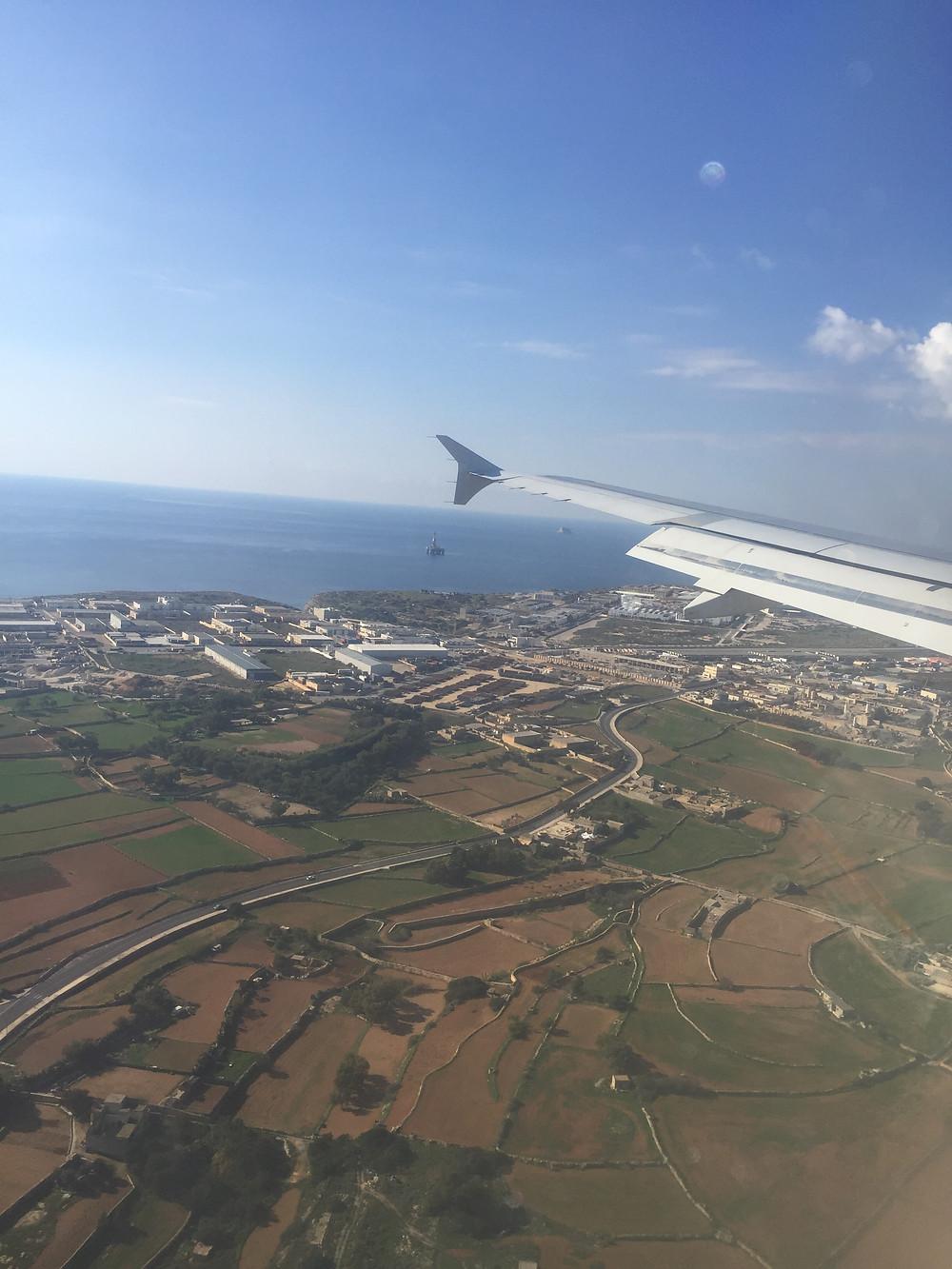 マルタ上空