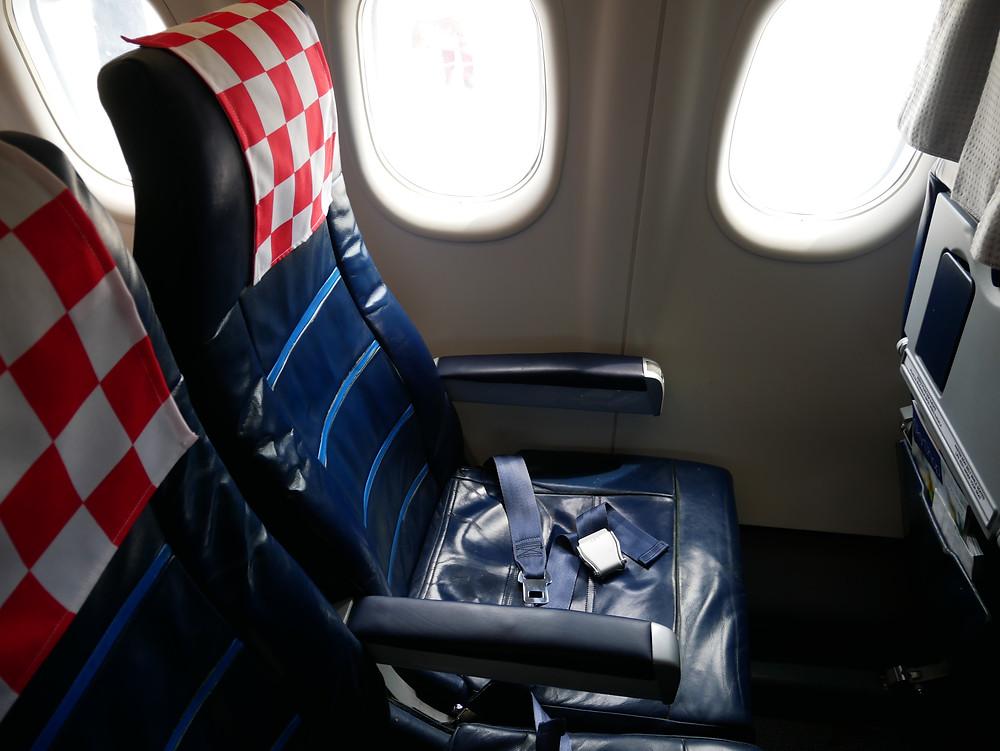 クロアチア航空 DHC8-Q400 シート
