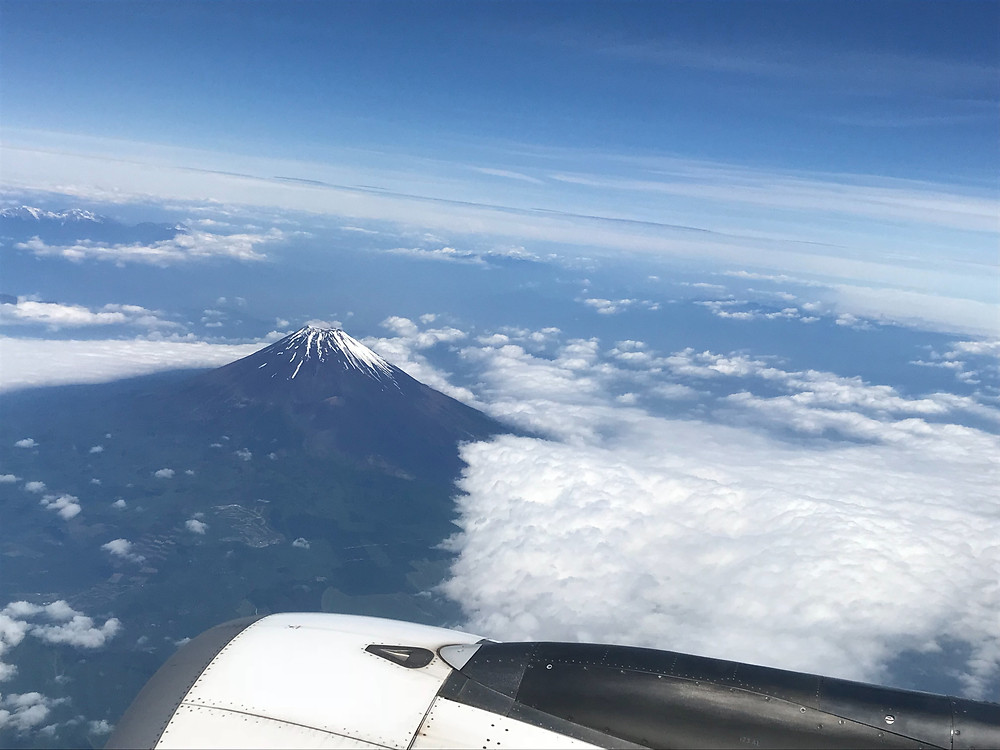 スターフライヤー 窓から富士山