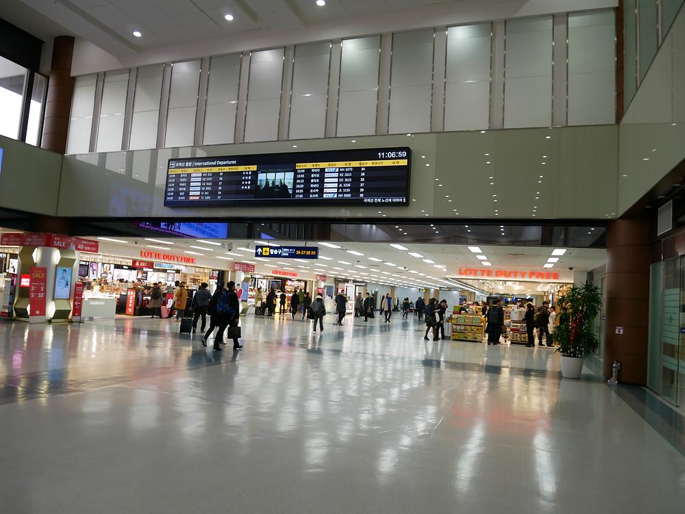ソウル 金浦空港 出発ロビー