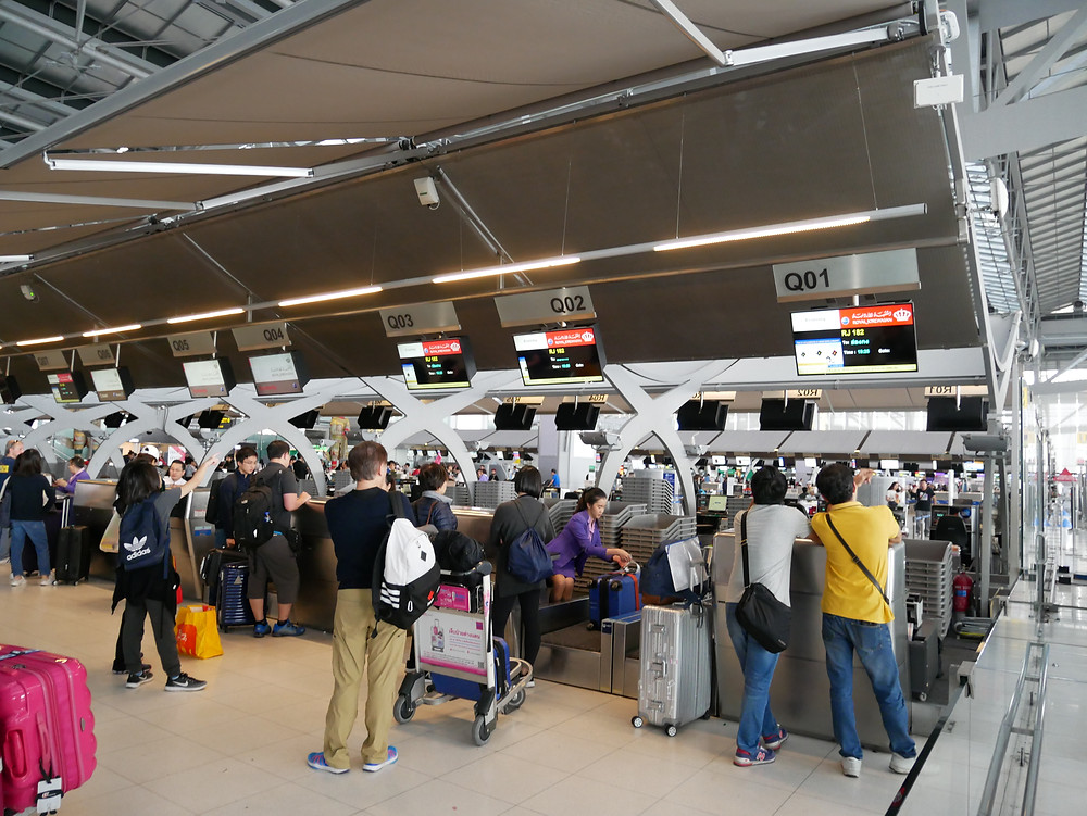 バンコク スワンナプーム空港 チェックインカウンター
