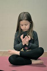 cours de yoga pour enfants paris 9 cours de yoga enfants paris 9 cours de yoga pour adolescents à Paris 9 cours de yoga ados Paris 9 yoga ados relaxation pour adolescents méditation pour adolescents méditation ados Paris 9 relaxation ados Paris 9