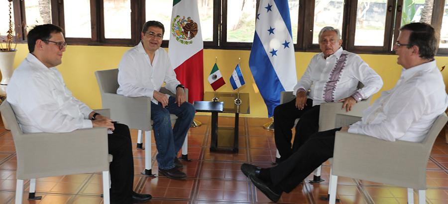 Presidentes de México y Honduras abordan revisión de TLC, cooperación e inversiones y migración