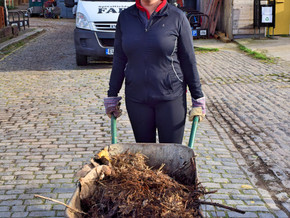Axis Security Offers a Helping Hand at Spitalfields City Farm