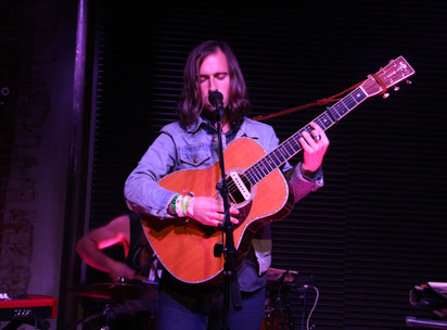 """Adam Torres Captivates Los Angeles Crowd at Resident with New Album """"Pearls to Swine"""""""