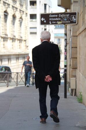 france back turned.JPG
