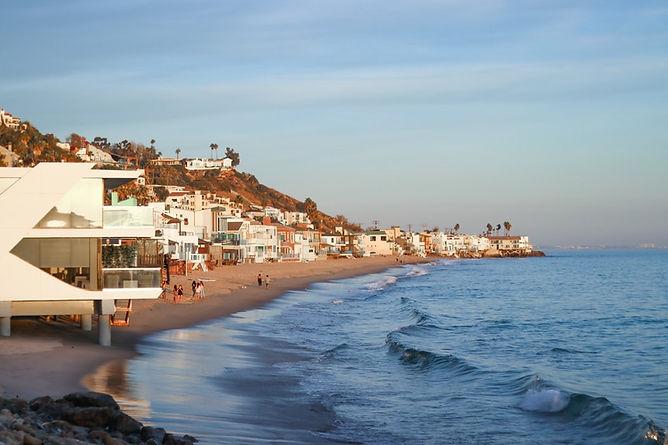 Calming view of Malibu beach in Los Angeles