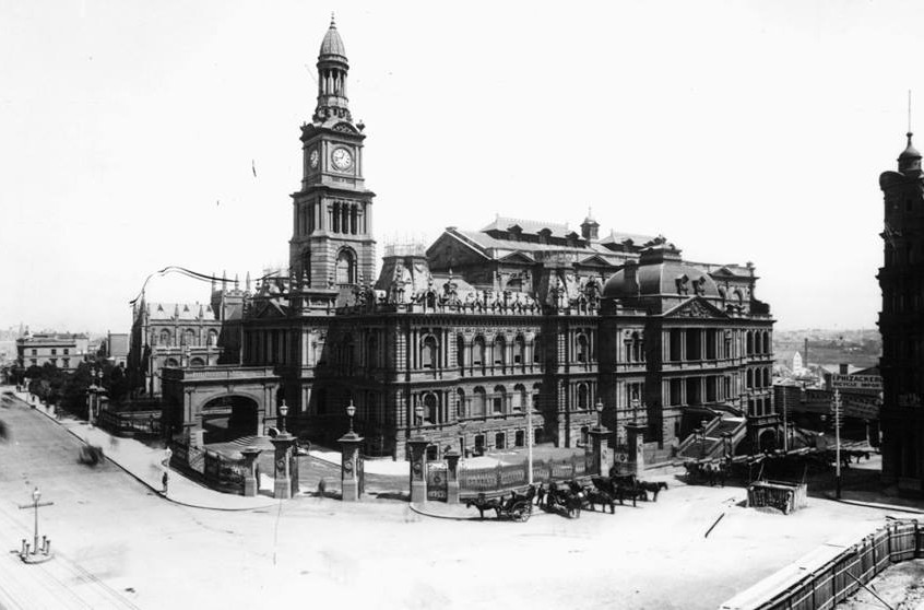 1885 George St Town Hall
