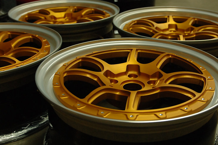 SS4 TRAC 18x7.5 BRUSHED GOLD ANODIZED CE