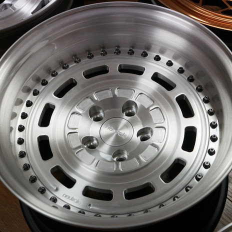 LM12 CLASSIC FLAT 17x10.5